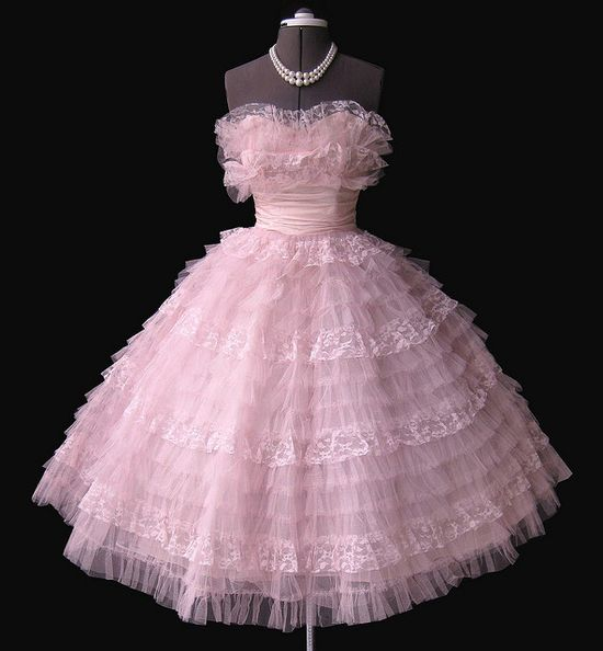 1950's pink prom dress... #fashion