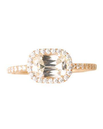 A uniquely set #engagement #ring