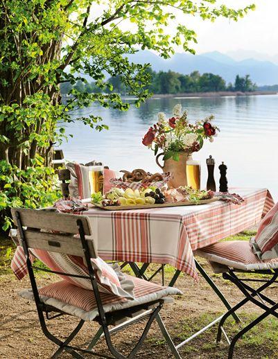 the cutest picnic spot (:?