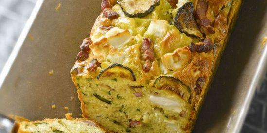 Cake courgette, chèvre et lardons : découvrez les recettes de cuisine de Femme Actuelle Le MAG