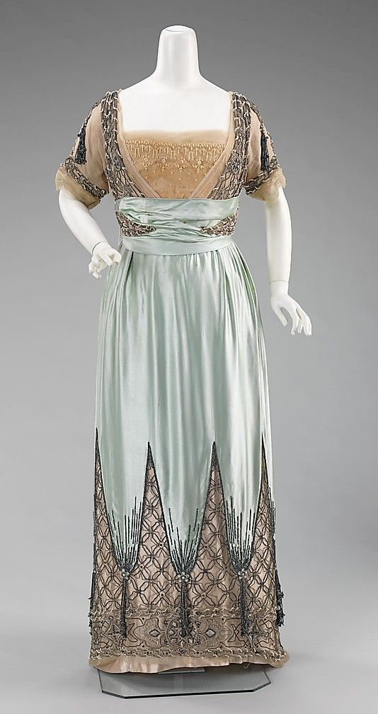 Dress, Evening.  House of Worth (French, 1858–1956).  Designer: Attributed to Jean-Philippe Worth (French, 1856–1926).