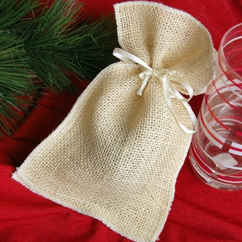 Burlap favor pouches