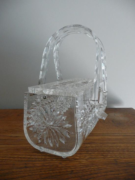 Ridiculous. Should be mine. #vintage #lucite #50s #purse