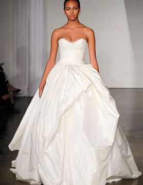 Bigger might actually be better in this case! Marchesa Fall 2013 #designer #bridal