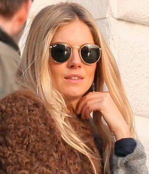 sienna miller con ray ban