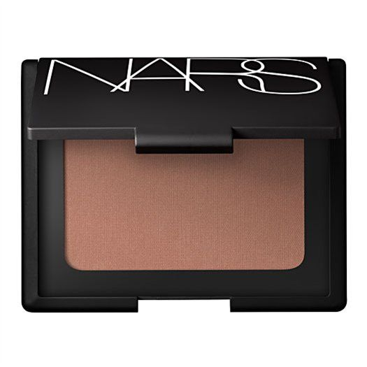 Laguna Bronzing Powder – Can be built up for intensity. Suits very pale skin as