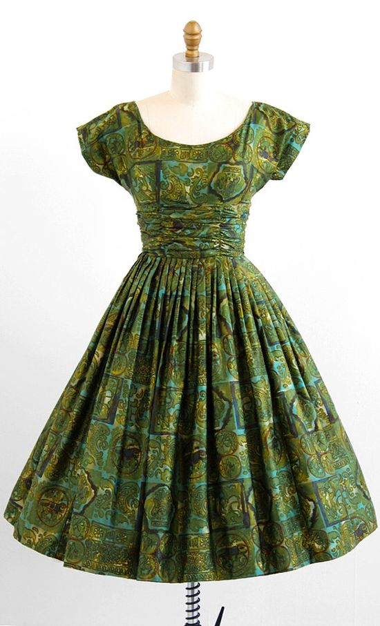 vintage 1950s green brushed cotton Greco-Roman novelty print party dress