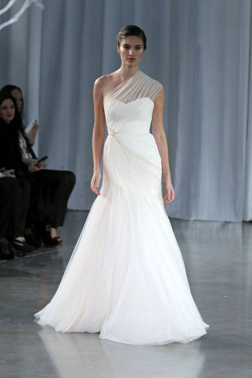 Stunning one-shoulder Monique Lhuillier wedding dress from her Fall 2013 bridal collection runway show