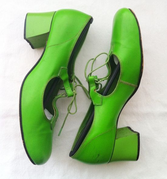 1960's Vintage Kelly Green T-Strap Mary Janes