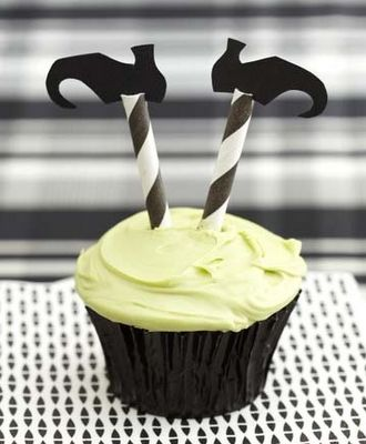 Love. Luck. Kisses & Cake: Halloween Sweets