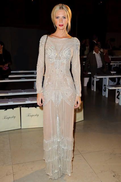 gorgeous dress..