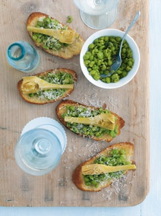 Crushed pea and artichoke crostini