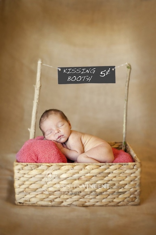 Great website for family/baby/toddler photoshoot ideas.