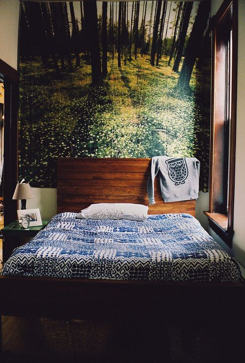a perfect little camp-cabin bedroom