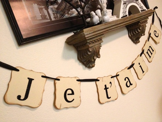 Je t'aime paper banner garland