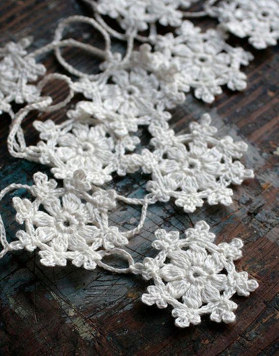 Crochet+Garland++Small+Doily+Bunting++Snowflake+garland