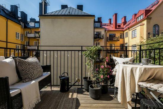 Scandinavian Balcony - Terrace  Board