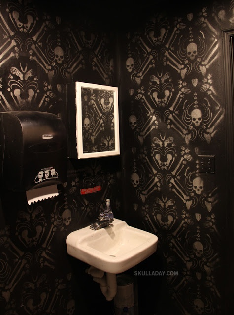 SKULL PAINTED BATHROOM ART. I Want this for my bedroom.