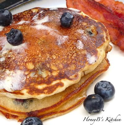 Fluffy Pancakes – our favorite recipe!