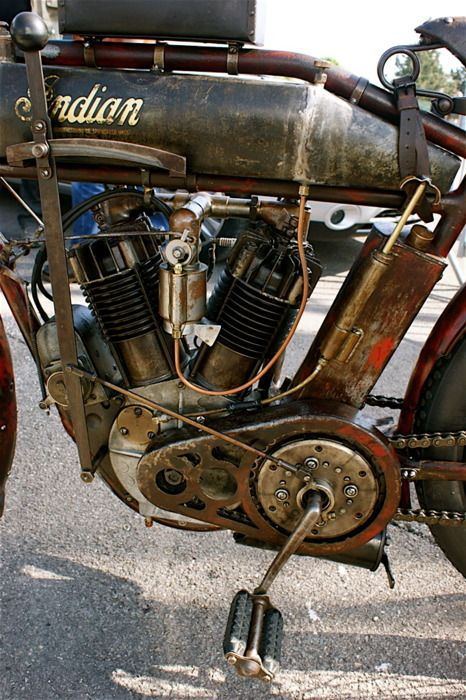 Bikes e Bikes by Daniel Alho / Classic Indian motorcycle