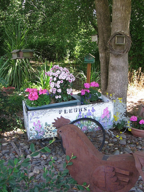 Painted flower cart by Pink for me, via Flickr