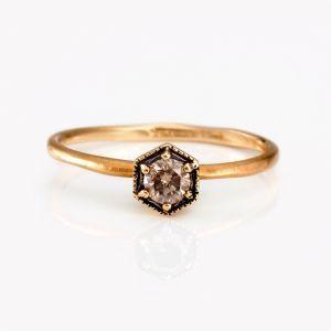 18K yellow gold + brown diamond ring