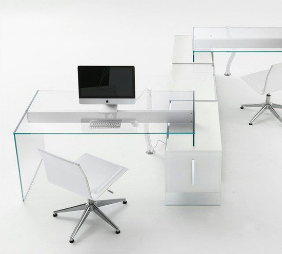 #white #minimal #office #design