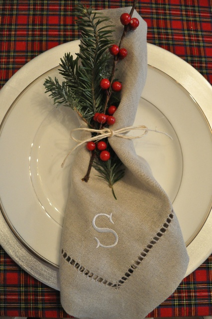 Easy Christmas Place Setting