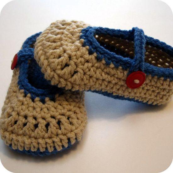 Crochet toddler slippers.