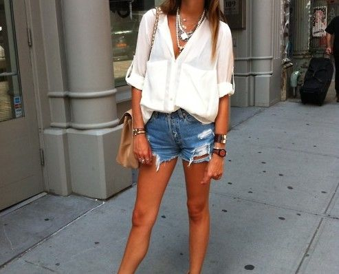 Love jean shorts and flowy blouses for summer like this one from Zara
