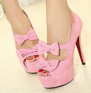 Pink heels with bows!!! ?