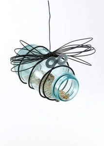 Mason jar bird feeder! OOO so cute....will be making 2 or 3 of these this Spring!