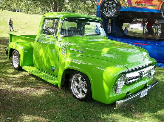 51 Dodge Memorial 077 -  Omg, it's lime green!!! I love these old trucks. I love the soft rounded curves of them unlike todays square box style. Beautiful!!!
