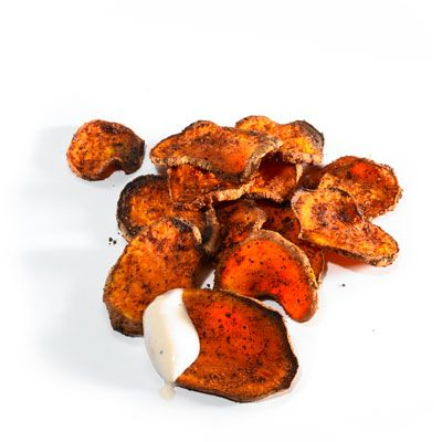 Baseball season is approaching fast! Make these #healthy Oven Roasted Sweet Potato Chips and bring to the game instead of indulging in ball-park foods.