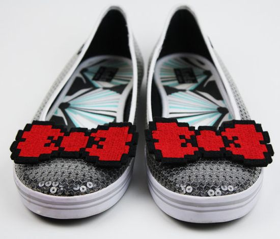 8 Bit Bow Shoe Clips Pixel Bows by JanineBasil