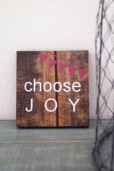 Choose Joy Banner Wooden Sign