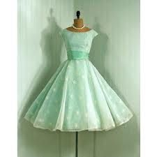 50s fashion - Google Search, when is this going to come back in fashion? I love this style.