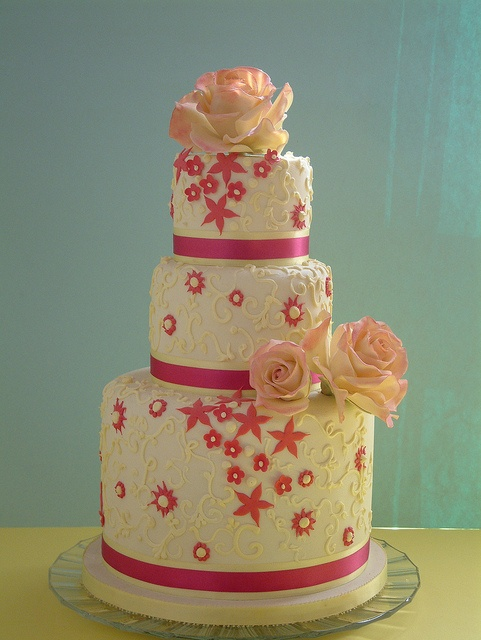 Spray Rose cake by Osedo L Cakes, via Flickr