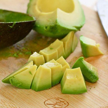 Are you an avocado ?er??  We've got 25+ Avocado recipes in our roundup!! #avocadolove #avocado @livlifetoo