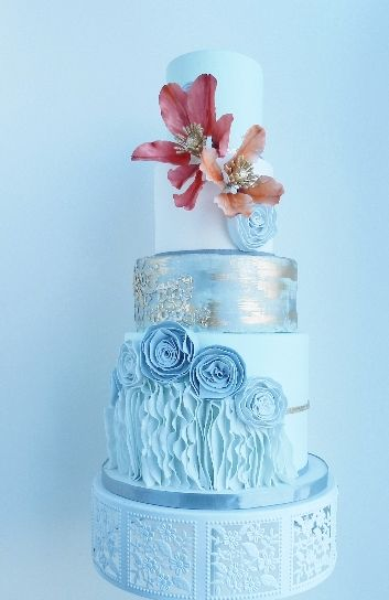 #Wedding Cakes With Exceptional Details. www.modwedding.co...  #weddingcake #weddingcakes