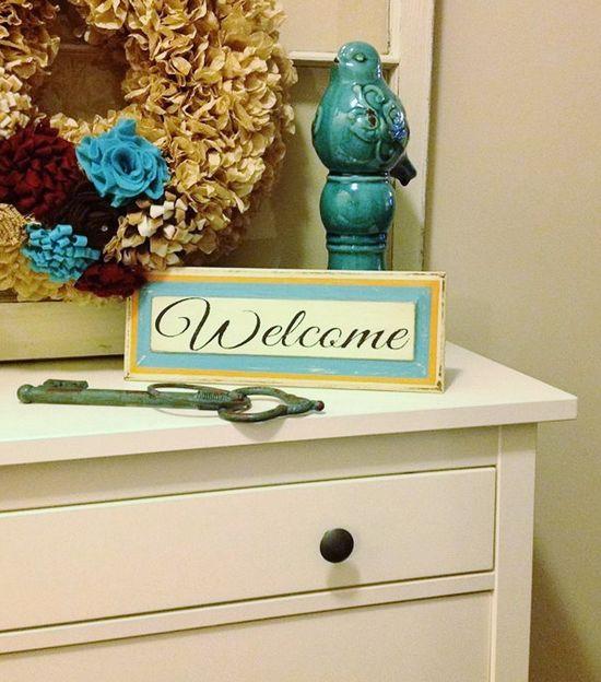 Custom Distressed Welcome Sign #diy #homedecor
