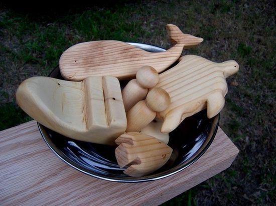 Natural wood bath toys