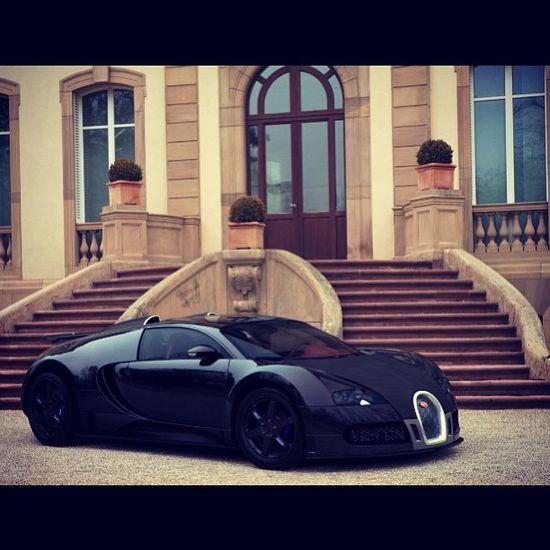 All black Bugatti Veyron! Perfect for Mr Bruce Wayne :) #Darkknight