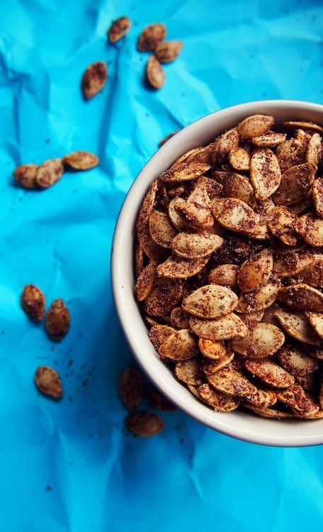 Roasted Cinnamon Pumpkin Seeds - A Healthy Holiday Treat!