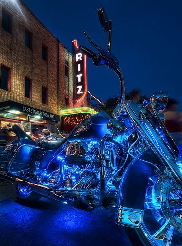 The ROT Biker Rally--- I want these lights on my bike!