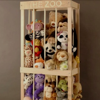 Great solution to organize stuffed animals!