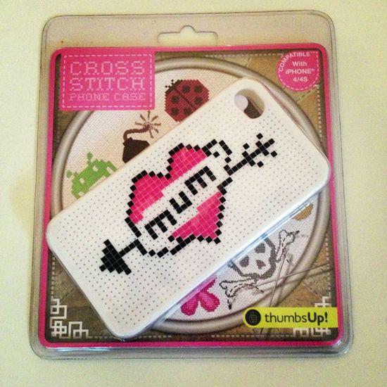 Cross Stitch DIY iPhone Case - Capa iPhone DIY (4/4S) Ponto Cruz  - Follow The Colours