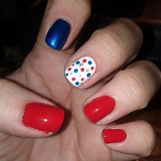 phillyzepheather's festive tips. Show us your 4th of July-inspired nails! Tag your pic #SephoraNailspotting to be featured on our social sites.
