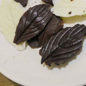 Chocolate leaves - Follow @Guidecentral for yummy #food #recipes