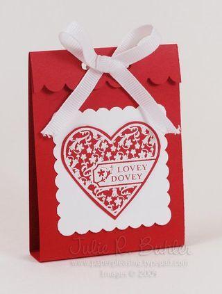 Quick and easy valentine treats -http://paperpleasing.typepad.com/my_weblog/2009/01/quick-valentine-gifts.html - bjl